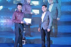 Abhishek Sircar Awarded by Sourav Daga